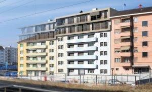 Bestehendes Gebäude mit neuer Aufstockung