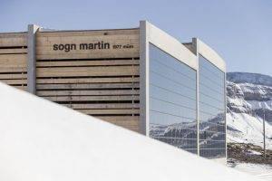 Photovoltaik Fassadenanlage, Weisse Arena Laax, 18kWp