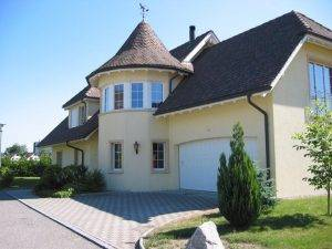 Nicht nur gewöhnliche Holzkonstruktionen und Dachdeckerarbeiten gehören zu den Kernkompetenzen, wie dieses Beispiel zeigt.