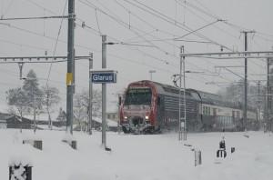 train-596097_640