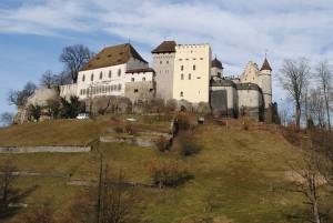lenzburg-372345_640