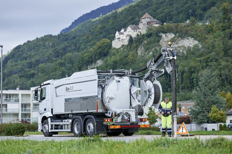 Eco 3.0: Das patentierte KAISER-Rückgewinnungssystem erspart 24'000'000 Liter Frischwasser pro Jahr und Fahrzeug.